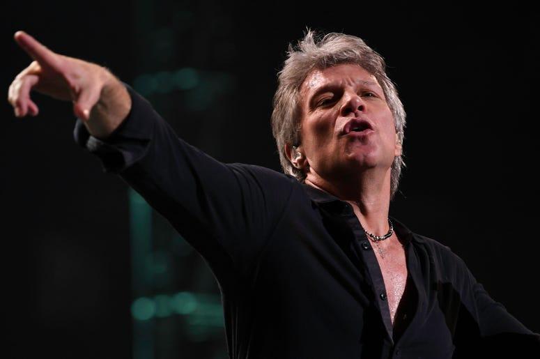 Feb 12, 2017; Sunrise, FL, USA; Jon Bon Jovi performs at the BB&T Center. Mandatory Credit: Ron Elkman/USA TODAY NETWORK