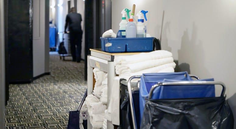 Hotel, Hotel Maid Cart