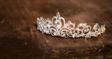 Tiara, Crown,