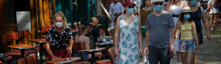 Face masks now required outdoors at crowded Paris locations