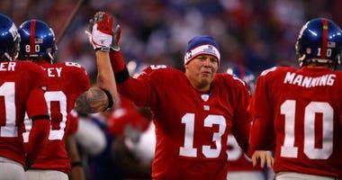 Jared Lorezen celebrates with the Giants.