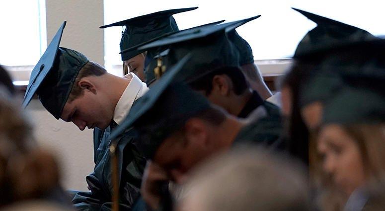 Santa Fe High School graduates