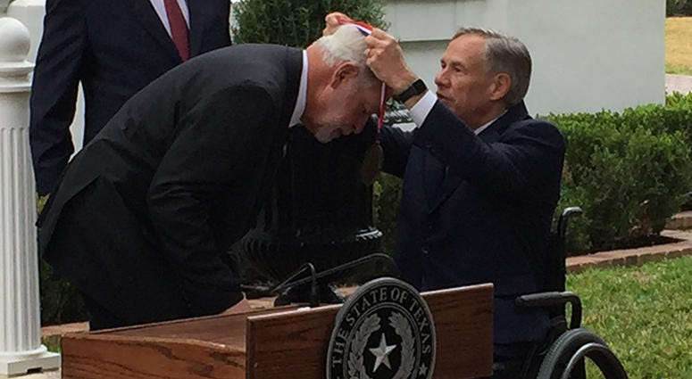 Governor Greg Abbott Medal of Courage, West Freeway Church of Christ hero Jack Wilson