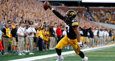 Iowa tight end Noah Fant