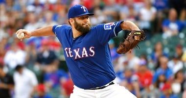 Texas Rangers starting pitcher Lance Lynn