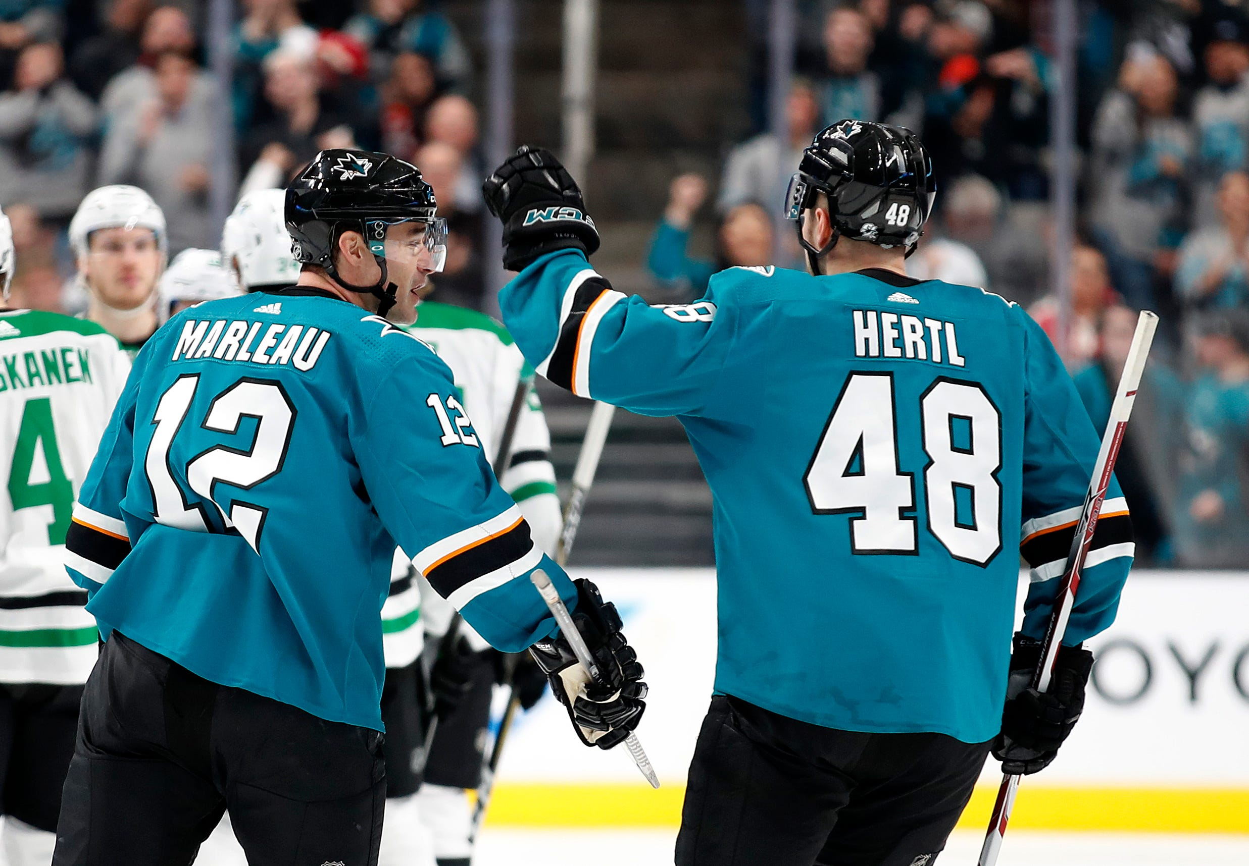 Burns, Marleau Lead Sharks To 2-1 Win Over Stars