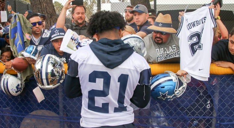 Ezekiel Elliott At 2018 Dallas Cowboys Training Camp