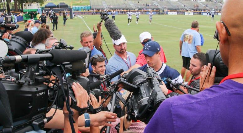 Sean Lee At 2018 Dallas Cowboys Training Camp