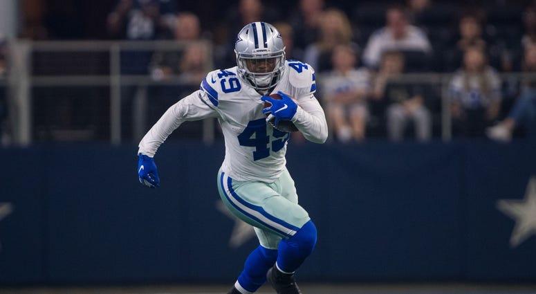 Nov 22, 2018; Arlington, TX, USA; Dallas Cowboys running back Jamize Olawale (49) in action during the game between the Dallas Cowboys and Washington Redskins at AT&T Stadium.