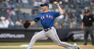 Texas Rangers pitcher Mike Minor