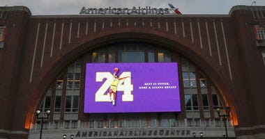 tribute to Kobe Bryant outside of the American Airlines Center