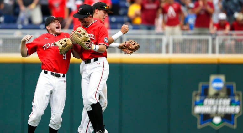 College World Series: Texas Tech vs Arkansas
