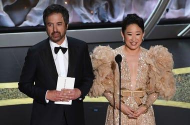 Ray Romano and Sandra Oh at the Oscars