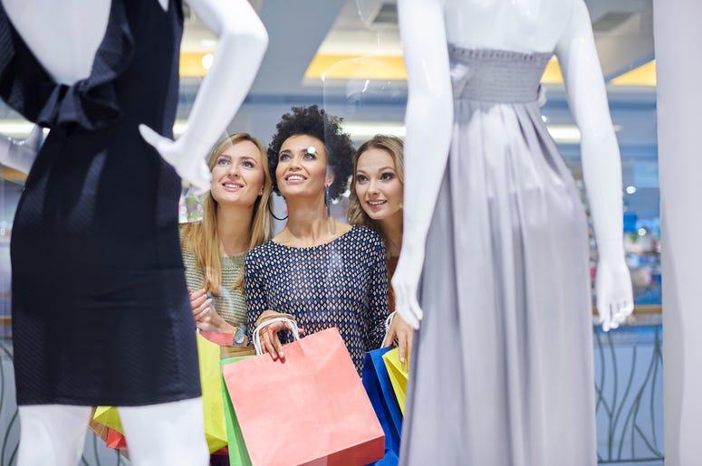Mannequin Shopping Prank