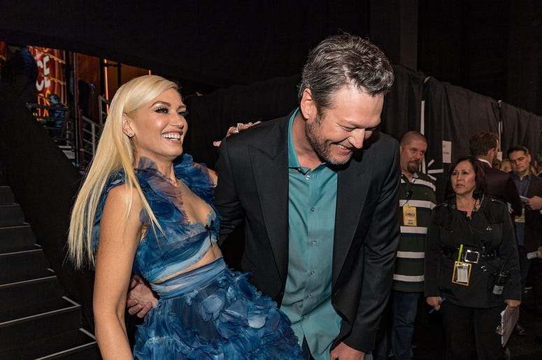 Recording artist/TV personality Gwen Stefani (L) and recording artist/TV personality Blake Shelton, winner of the Favorite Album award for 'If I'm Honest' and Favorite Male Country Artist award attend the People's Choice Awards 2017