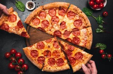 Veronica Hendrix DIY Pizza