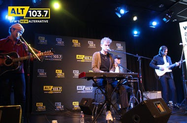 COIN Live At The Verizon Artist Lounge