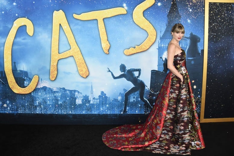 Taylor Swift At Cats Premiere