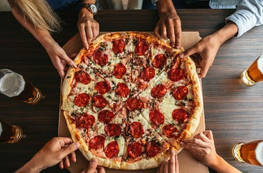 Pizza hands