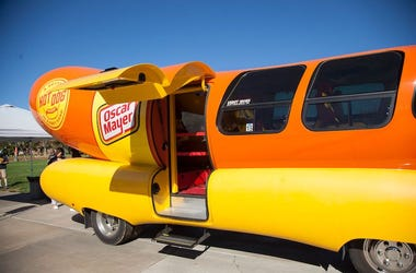 Oscar Mayer, Wienermobile, College Campus, 2018