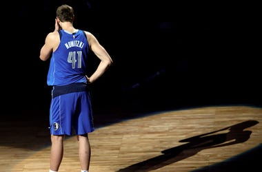 Dirk Nowitzki, Announces Retirement, AAC, Dallas Mavericks, Court, Uniform
