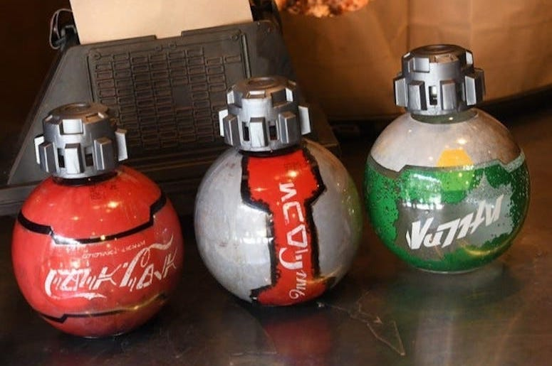 Coke, Coca Cola, Bottles Star Wars, Thermal Detonator, Star Wars, Galaxy's Edge