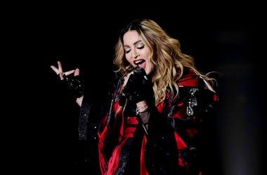 Madonna, Concert, Singing, American Airlines Arena, 2016
