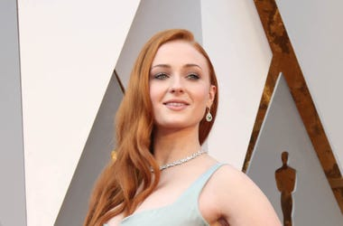 Sophie Turner, Red Carpet, 88th Academy Awards, 2016