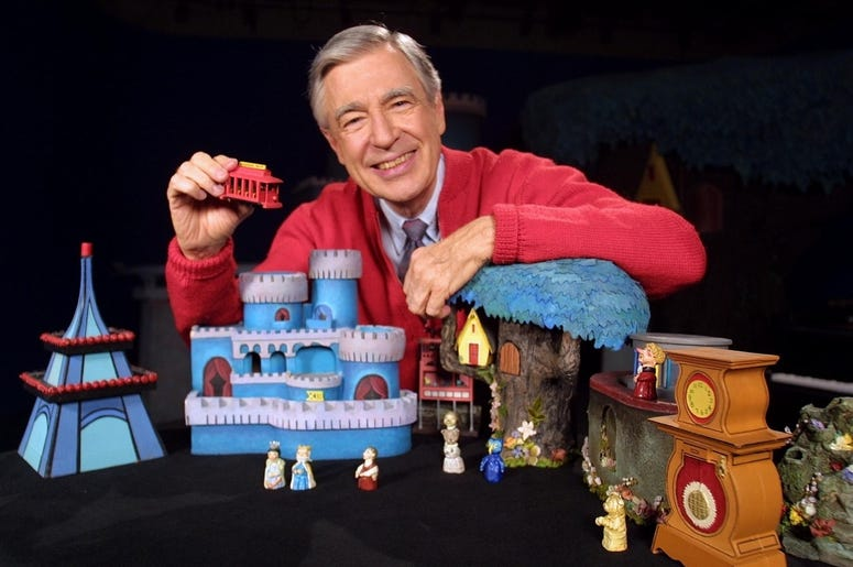 First Look At Tom Hanks As Mr Rogers Alt 103 7