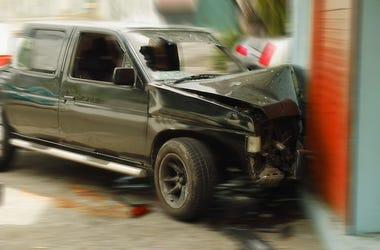Car Crash, Building