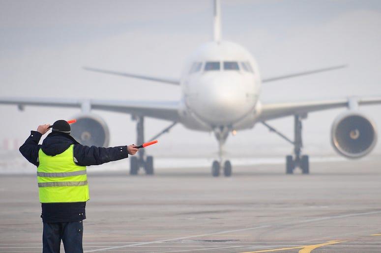 Airport, Employe, Directing, Plane, Tarmac