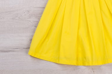 Yellow Skirt, Table