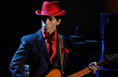 Prince, Live, Rock And Roll Hall of Fame, Red Hat, 2004