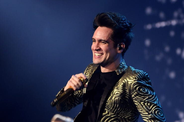 Brendon Urie, Panic! At The Disco, Smiling, Concert, PRAY FOR THE WICKED, 2019