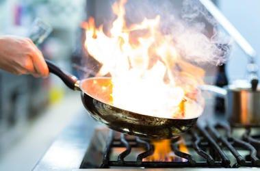 19-year-old,Chef,New,Restaurant,NYC,Gem,Flynn McGarry,Tasting Menu,Michelin Star,Kitchen,ALT 103.7