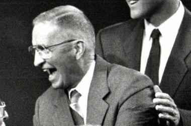 H. Ross Perot, Debate, Greeting Questioners, 1992