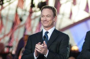 Gary Sinise, Suit, Clapping, National Memorial Day Concert, 2013