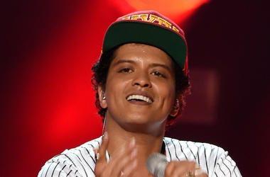 Bruno Mars, Smiling, Concert