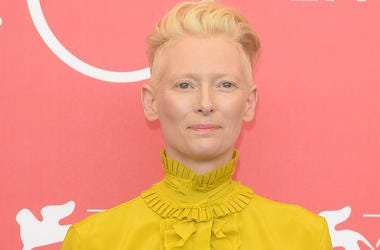 Tilda Swinton, Red Carpet, Yellow Dress, Pink Background