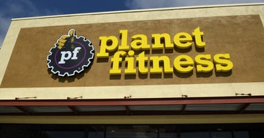 Exterior of a Planet Fitness location