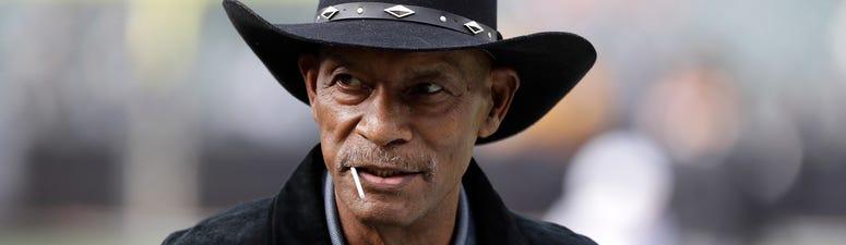 Raiders Hall Of Famer Willie Brown Dies