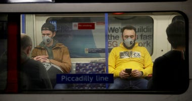 Un Health Agency: Wear Mask If You Can't Keep Your Distance