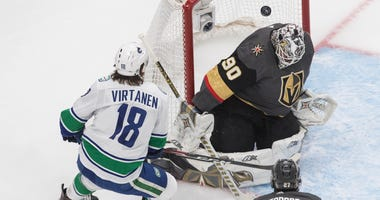 Lehner Gets 1st Playoff Shutout, Knights Top Canucks 5-0