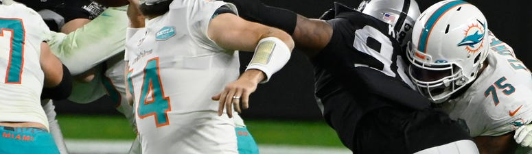 Dolphins stun Raiders to knock Vegas out of playoff chase