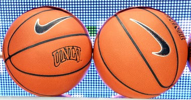 Mitrou-Long Sparks UNLV To 92-69 Romp Over San Jose State
