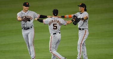 Giants celebrate after beating Dodgers on 7-26-20