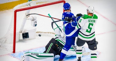 Tampa Bay Lightning center Alex Killorn (17) watches a shot by center Brayden Point get past Dallas Stars goaltender Anton Khudobin (35) during the first period in game two of the 2020 Stanley Cup Final