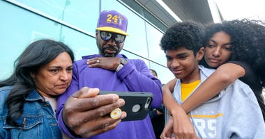 The Latest: Fans gather for Kobe Bryant's public memorial