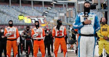 Elliott Ends Busch's Win Streak, Collects $100,000 Bounty