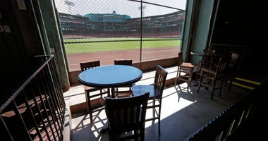 Knotholes: Good MLB Views, If Fans Know Where To Look